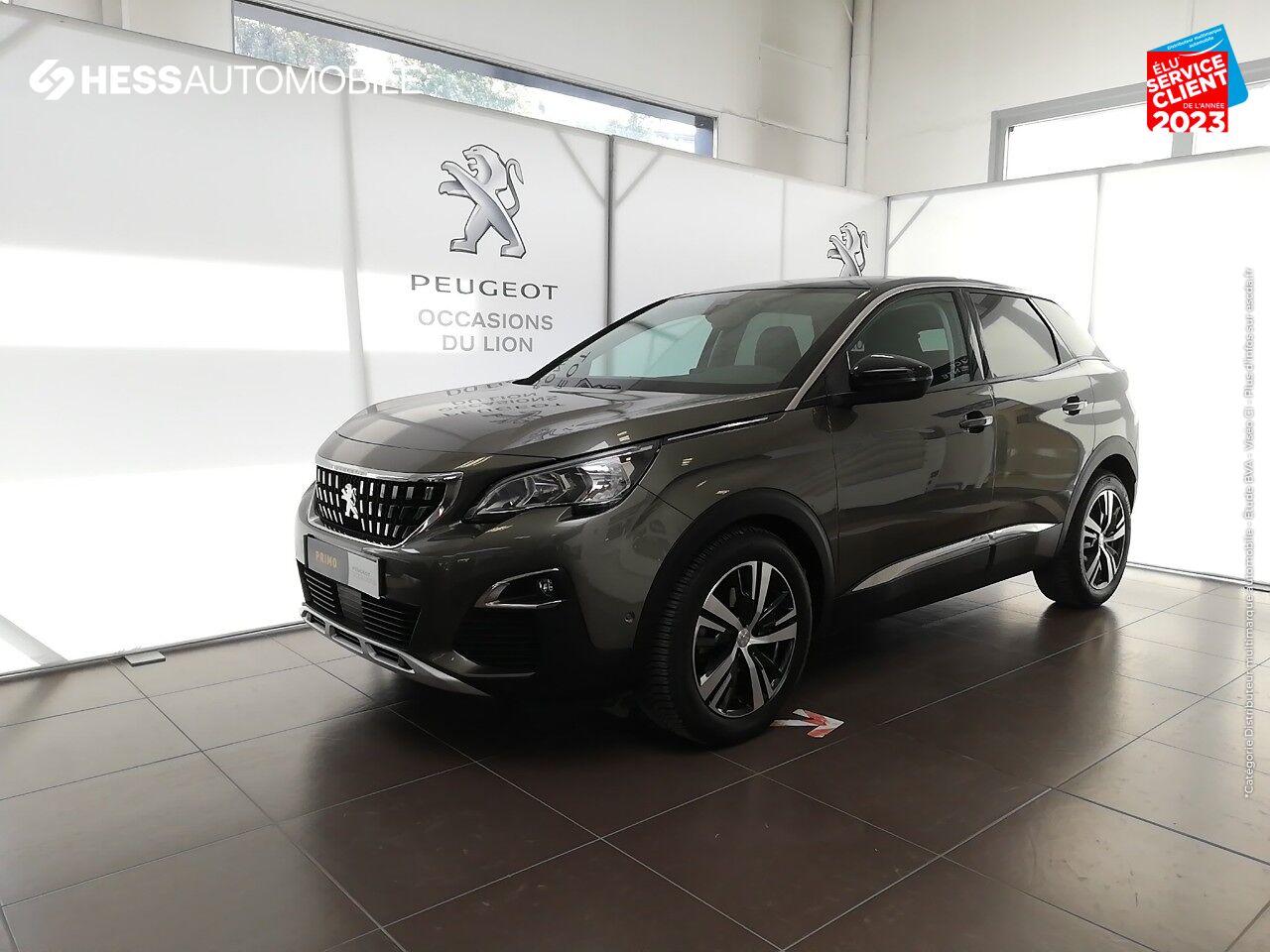 chez Peugeot Sedan